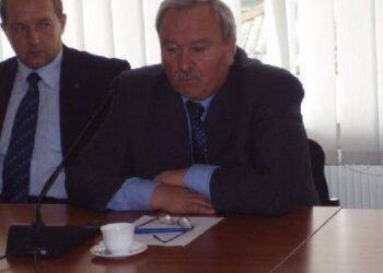 Po Anykščių vizijos pristatymo Seimo Aplinkos apsaugos komiteto pirmininkas Bronius Bradauskas(dešinėje) pasiūlė nusileisti ant žemės ir atsakyti kiek vizija kainuos.