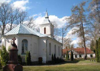 Surdegio bažnyčiai padaryti materialiniai nuostoliai, be to, vandalizmo aktu sutrypti tikinčiųjų jausmai. Jono JUNEVIČIAUS nuotr.