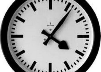 Sekmadienį pereisime prie žiemos laiko, pasukdami laikrodžio rodykles viena valanda atgal.