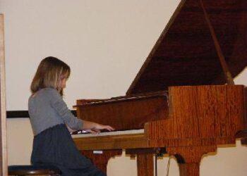 Po jaunosios pianistės Mildos Daunoraitės pasirodymo salėje neliko abejingų – mokslininkai ėjo prie jos ir mokytojų reikšdami susižavėjimą.