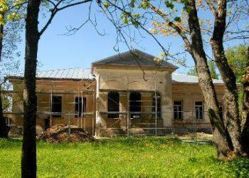 Burbiškio dvare vyksta intensyvūs rekonstrukcijos darbai. Jono JUNEVIČIAUS nuotr.