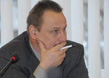Meras Sigutis Obelevičius, kaip ir jo pavaduotojas Donatas Krikštaponis tarnybinių automobilių lipdukus pametė netyčia. Taip nustatė savivaldybės administracija.