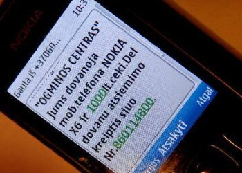 Tokia žinutė nebe pirmą kartą pasiekia redakcijos darbuotojos telefoną. Autoriaus nuotr.