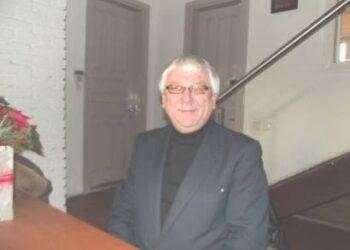 """Anykščių regioninio parko direktorius Kęstutis Šerepka siūlė spręsti išeitį dėl žiemą neveiksiančio lajų tako bokšto lifto: """"Neįgaliuosius, kurių žiemą atvažiuos mažai, paprašysime atvykti pavasarį"""". Jono JUNEVIČIAUS nuotr."""