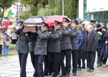 Audriaus Šenavičiaus laidotuvėse dalyvavo kariuomenė ir muitininkai.