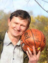 Seimo narys Sergejus Jovaiša metų anykštėnais rinktų kultūros atstovus.