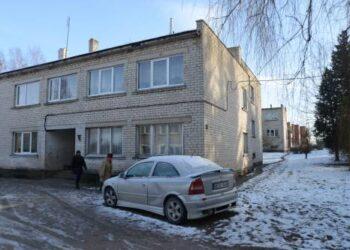 Ažuožerių daugiabučiuose, statytuose dar sovietmečiu, tuščių butų nėra. Čia butus perka Anykščių miesto gyventojai, norintys sutaupyti.