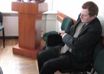 Giriamas Anykščių muziejaus direktorius Antanas Verbickas drovėjosi.  Vidmanto ŠMIGELSKO nuotr.