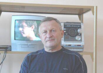 """Anykščiuose veikiančios televizorių taisyklos vadovas Antanas Kašelynas sakė, jog duomenis """"Sodrai"""" teikti elektroniniu būdu jam finansiškai neįkandama.Jono JUNEVIČIAUS nuotr."""