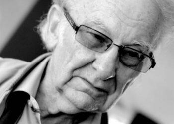 Profesorius Juozas Adomonis sako, kad kurti Keramikos katedrą jam teko iš pat pagrindų – keramikams iš Kauno persikėlus į Vilnių nebuvo nei patalpų, nei krosnių, nei bibliotekos.