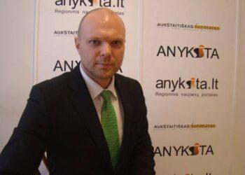Lietuvos centro partijos kandidatas   į Seimą Kristupas Krivickas portalo anyksta.lt forume sulaukė beveik pusantro šimto klausimų.