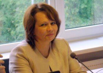 Vyriausybės  atstovė Utenos bei Panevėžio apskrityse Kristina Nakutytė politikams linkėjo sėkmingo darbo ir gerų atostogų.