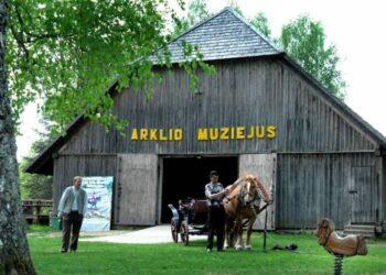 Niūronių kaime įkurtas Arklio muziejus bėgant metams nepraranda aktualumo.