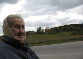 Močiutė Marija Gaigalienė mena Storiu kalnų šlovę.