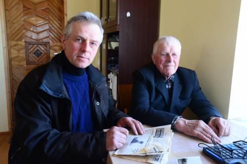 Tėvas ir sūnus Baltramiejus ir Rimantas Indilai prisimena savo ir kaimo jaunystę.