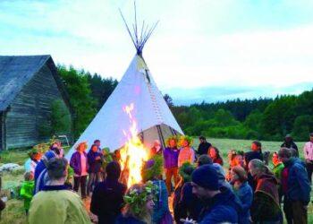 """,,Miško festivalio"""" metu Rasų šventė buvo minima Inkūnų kaime, Šimonių girioje."""