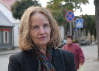 """Kovo 11-osios Akto signatarė, buvusi Anykščių A. Vienuolio progimnazijos direktorė Irena Andrukaitienė apie jau laisvoje Lietuvoje gimusius žmones sako: """"Laisvė nebėra siekiamybė. Dabar lieka kita pareiga – saugoti laisvę..."""""""