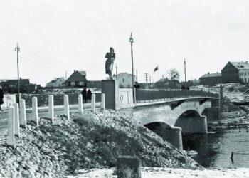 Pirmojo betoninio tilto per Šventąją Anykščiuose statybą organizavo buvęs revoliucionierius,  griovęs Anykščių savivaldą, Jonas Kvasovskis.Izidoriaus Girčio archyvo nuotr.