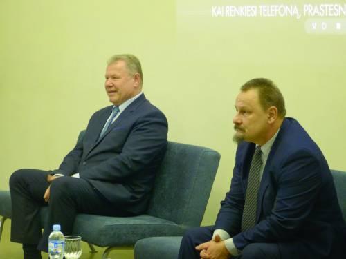 Sigutis Obelevičius ir Kęstutis Tubis antrajame Anykščių rajono mero rinkimų ture varžėsi antrąjį kartą. Rezultatas lygus - 1-1. Šiuose rinkimuose S.Obelevičius surinko 65 procentus, o K.Tubis - 35 procentus rinkėjų balsų.