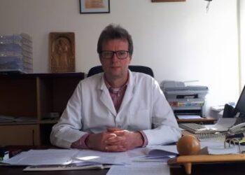 """Anykščių ligoninės direktorius Audrius Vasiliauskas mano, kad anksčiau gydytojo profesija buvo labiau vertinama ir gerbiama: """"Gal tai kartų, vis labiau įsigalinčio materializmo problema..."""""""