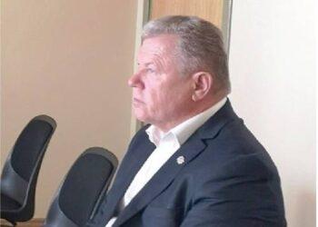 """Buvęs Anykščių rajono meras, kaltinamasis Kęstutis Tubis A.Pajuodžio prašė pakentėti be darbo, nes bijo, kad prieš rinkimus jo ,,nesukaltų visai""""."""