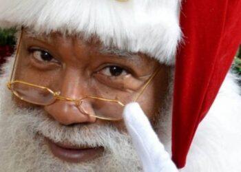 Kalėdų Senelis sugeba atsakyti į pačius sudėtingiausius klausimus. (AFP-BNS nuotr).