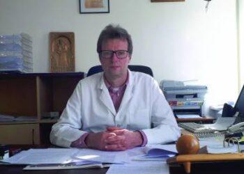 Anykščių ligoninės direktorius dr.Audrius Vasiliauskas prisipažino, kad kovoti dėl savo darbo vietos su savivaldybės vadovais nenusiteikęs.