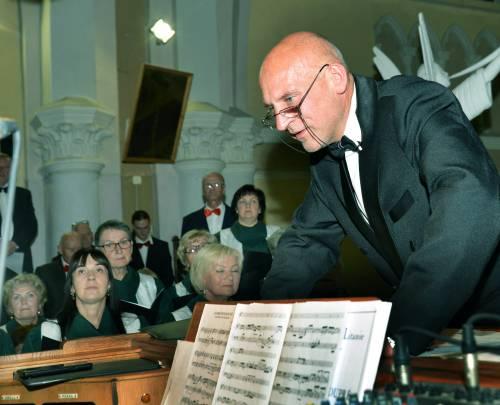 """""""Anykščiai – mano kraštas"""", - sako daugiau kaip tris dešimtmečius Anykščių šventovėje vargonais grojantis, kelis chorus subūręs ir jiems vadovaujantis Rimvydas Griauzdė."""