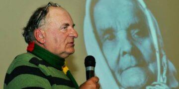 Susitikimo vakarui Raimondas Guobis pasirinko spalio 21 – ąją, Šv. Uršulės dieną, taip pagerbdamas savo močiutės Uršulės, nulėmusios jo gyvenimo kelią, atminimą.