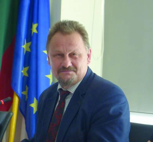 Anykščių rajono meras Sigutis Obelevičius džiaugiasi, kad gyventojų Anykščiuose taip drastiškai, kaip anksčiau, nemažėja, o atvyksta gyventi iniciatyvaus, pozityviai nusiteikusio jaunimo.