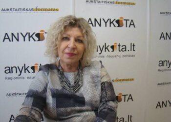 Anykščių kultūros centro direktorė Dijana Petrokaitė pastebėjo, kad virtualūs renginiai ir feisbukas per antrąjį  karantiną žmonėms jau tampa kur kas mažiau įdomūs.