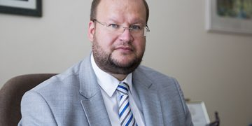 Vilniaus miesto psichikos sveikatos centro vadovas, gydytojas psichiatras M. Marcinkevičius kiekvienam pataria naudotis suteiktomis galimybėmis ir grįžti į normalų socialinį gyvenimą, nepamirštant užtikrinti savo ir aplinkinių saugumo.  (Vilniaus miesto psichikos sveikatos centro archyvas)